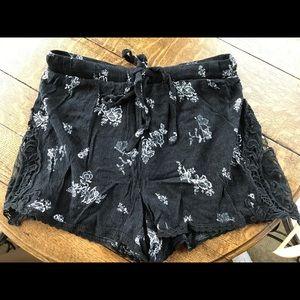 Black cotton maxi shorts